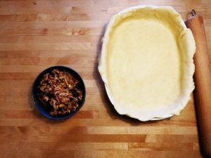 Mélanger les pommes râpées avec les fruits secs égouttés et la poudre fine.