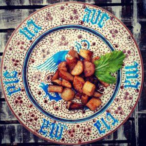 Navets frits à la poêle selon le Ménagier